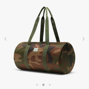 Herschel Packable Duffle army 💚
